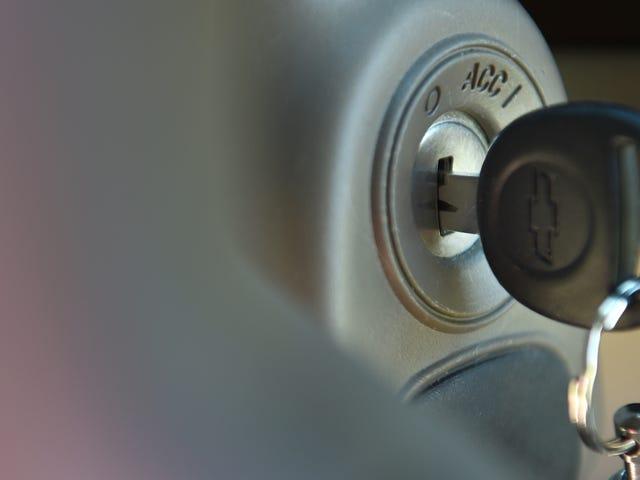 Florida Lawmaker chce ładować kradzieży ofiar z wykroczeniem, jeśli ich samochody zostały uruchomione