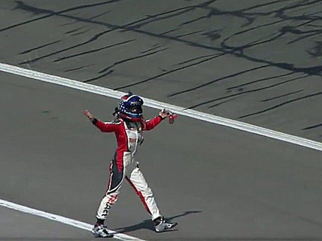 NASCAR a los conductores: manténgase alejado de la vía rápida y el tiempo de los medios post carrera es una necesidad