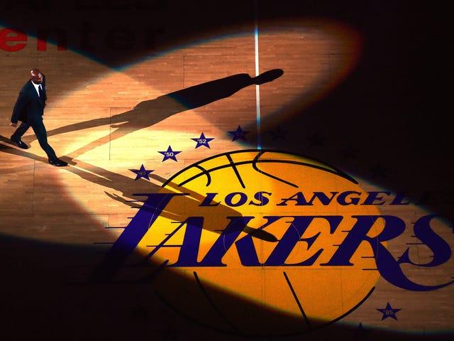 Lakers lykätä tiistaina pelaamistaan Clippersiä vastaan