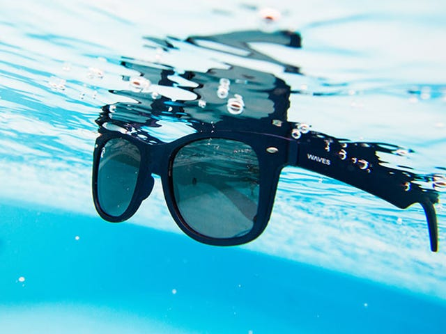 Save 50% On These Reflective, Polarized Floating Shades From WavesGear ($20)