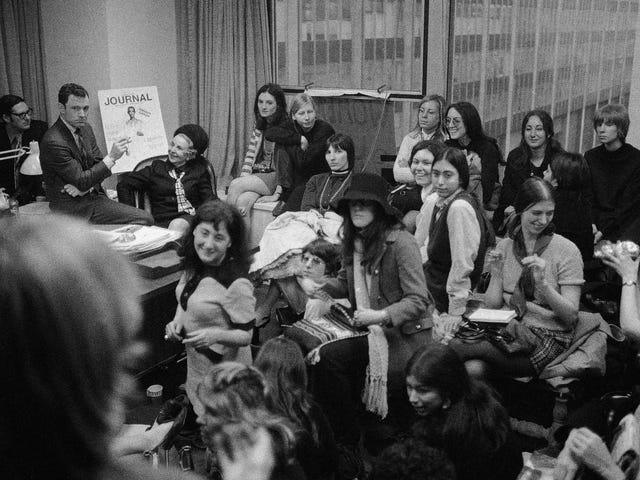 День жінки протестували проти жіночого журналу, який зараз є лише примарою свого колишнього Я