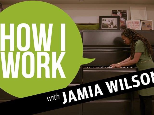 私はFeminist Pressのディレクター、Jamia Wilsonです。