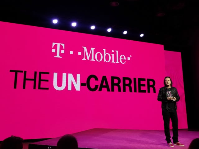 "<a href=http://gizmodo.com/why-everybody-wants-to-buy-t-mobile-1614075560/1711956333&xid=17259,15700023,15700186,15700191,15700256,15700259 data-id="""" onclick=""window.ga('send', 'event', 'Permalink page click', 'Permalink page click - post header', 'reframed');"">Of Course Comcast Ay Interesado sa Pagbili T-Mobile</a>"