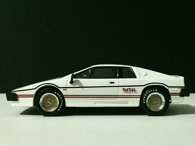 Turbo Tuesday - 1/43 Lotus Esprit Turbo by Universal Hobbies