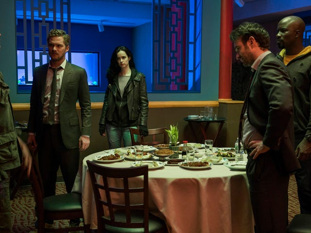 The Defenders' Best Storytelling Trick Doesn't Use Any Words at All