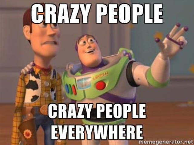 Bulan Purnama Sudah Dekat, orang-orang gila di tempat kerja kemarin