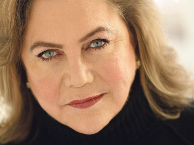 Kathleen Turner talks about EVERYTHING