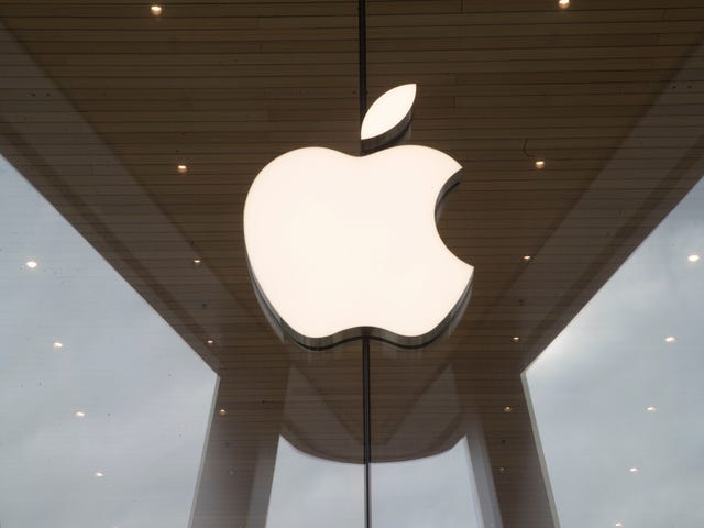 報告:アップルは、サードパーティの修理を阻止するためにiPhoneバッテリーのソフトウェアロックを有効にしました