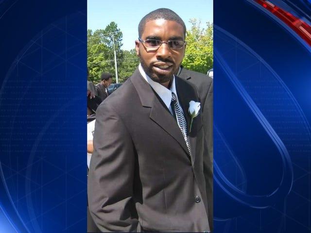 DC Cop no enfrentará cargos en el rodaje fatal de Terrence Sterling, un motociclista negro desarmado
