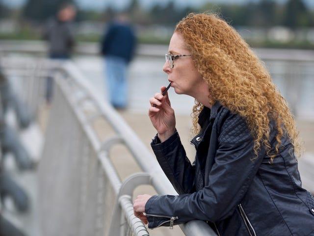 सैन फ्रांसिस्को बैन ई-सिगरेट की बिक्री जुला लैब्स के होम होने के बावजूद, एडिक्शन टेक्नोलॉजी में हॉटेस्ट नाम