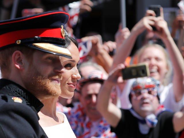 Los invitados a la boda real están subastando en eBay sus bolsas de bienvenida por hasta mil libras