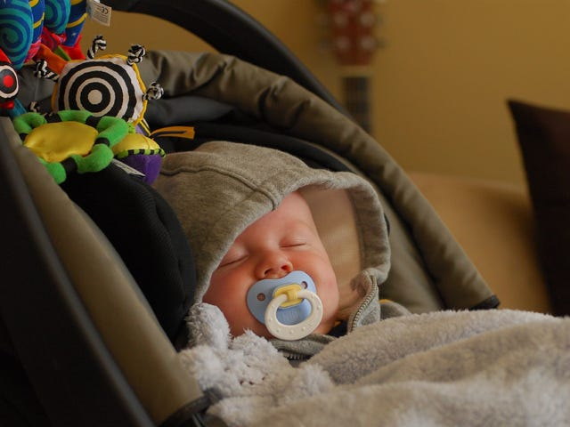 Bạn đang mang Baby Car Car Seat All Wrong
