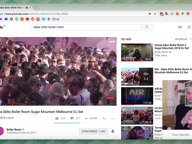 This Creepy Chrome Extension Pauses YouTube for You When You Look Away