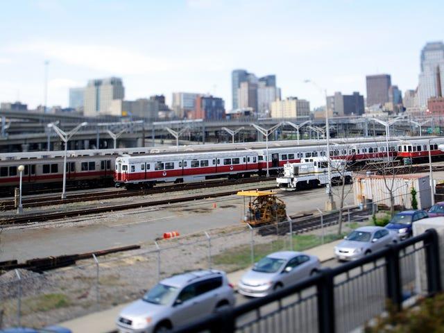Isang Boston Subway Train ang Kinuha Nang Walang Isang Operator Morning na Ito