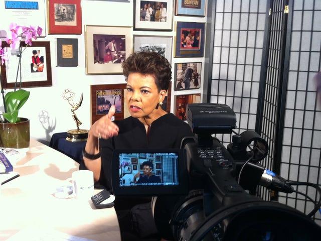 Sinclair Group Ανοίγοντας τη μακρά τηλεοπτική άγκυρα Maureen Bunyan