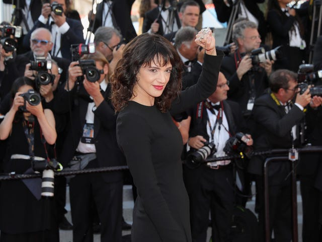 """<a href=""""https://news.avclub.com/asia-argento-will-not-be-paying-her-accuser-any-more-mo-1828833735"""" data-id="""""""" onClick=""""window.ga('send', 'event', 'Permalink page click', 'Permalink page click - post header', 'standard');"""">Asia Argento will not be paying her accuser any more money<em></em></a>"""