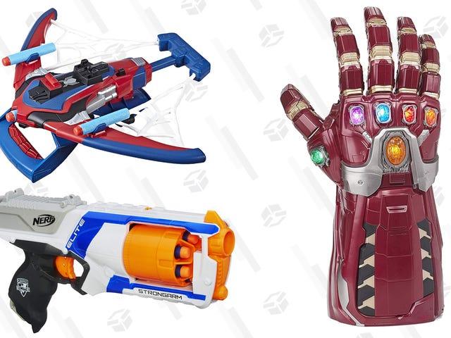 अपने बच्चों को युद्ध के खिलौनों के साथ बांधे नेरफ, मार्वल और अधिक खिलौनों के लिए 50% तक