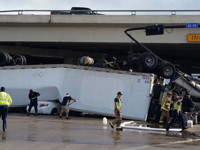 Semi Falls Off Overpass Onto Camry in Texas, Everybody Walks Away Unscathed