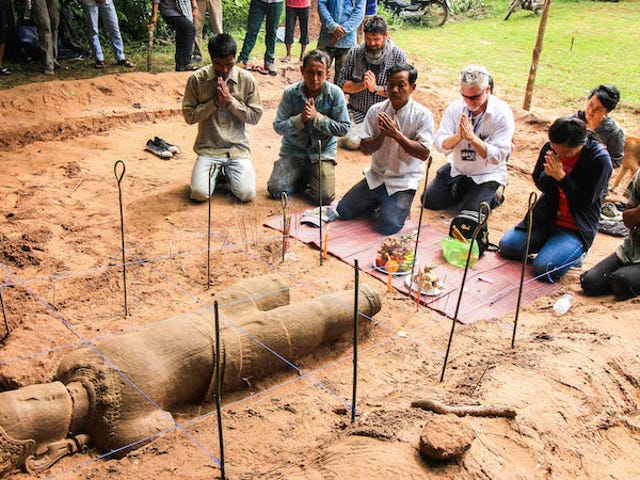 Magnificent Sandstone Statue Uncovered Near Legendary Cambodian Temple