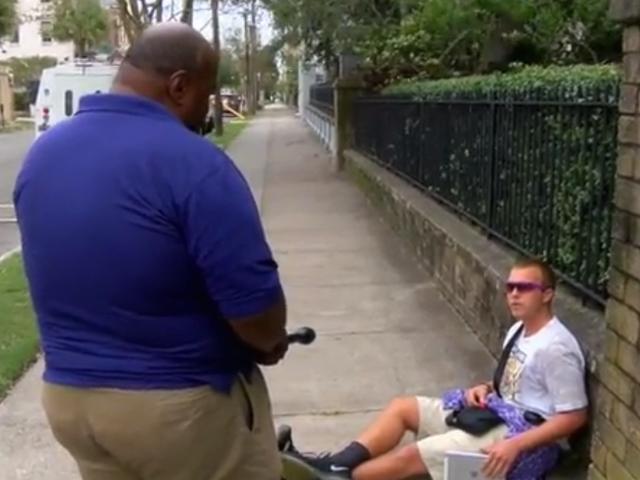 Veteran TV Reporter konfronterer mand, der kaldte ham N-Word
