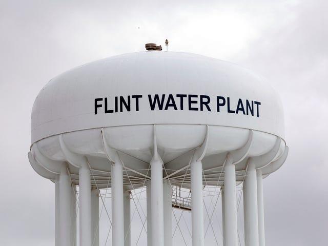 #Flint: Mich. Legislature Zatwierdza 100.000.000 $ w federalnym funduszu na zastąpienie Lead Pipes