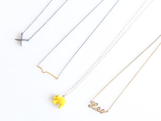 How to Pack Necklaces so They Don't Tangle
