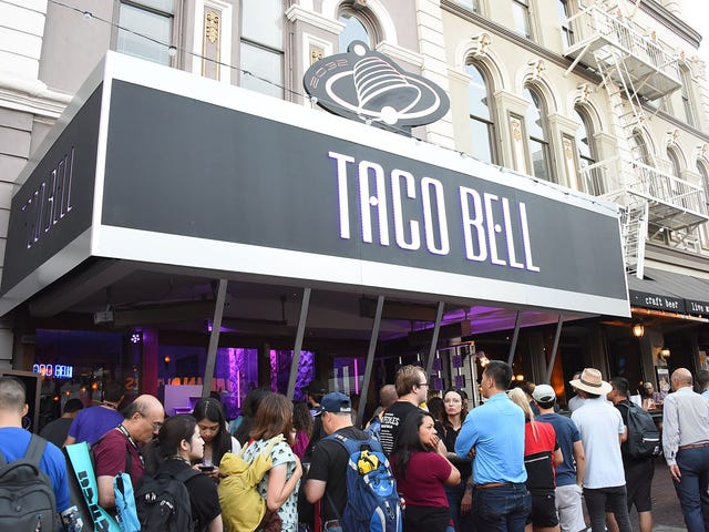 I Want to Build a Wall Around Anyone Who Thinks Taco Bell Is the Best Mexican Restaurant in the Country