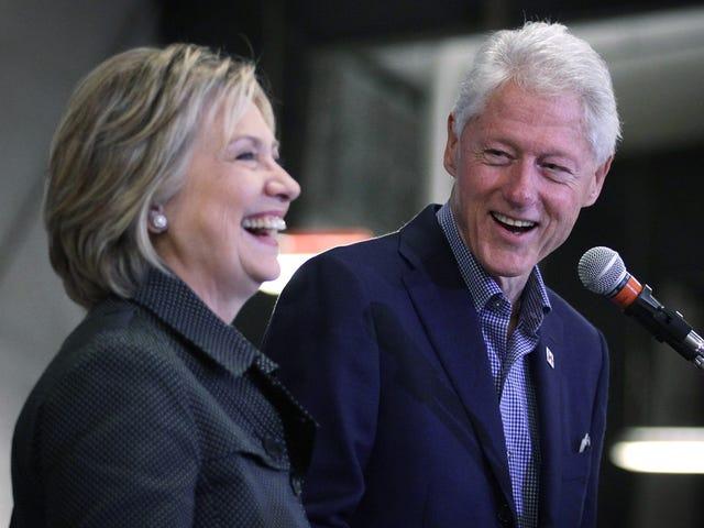 Bill Clinton brise Obamacare pendant le rassemblement, puis tente de Moonwalk loin de ses déclarations