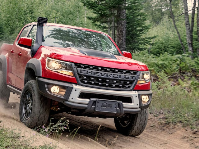 The 2019 Chevy Colorado ZR2 Bison Is a Plated Pickup to Power Through Anything