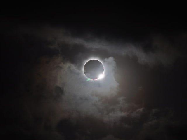Cómo ver el Eclipse Solar Total de hoy en vivo