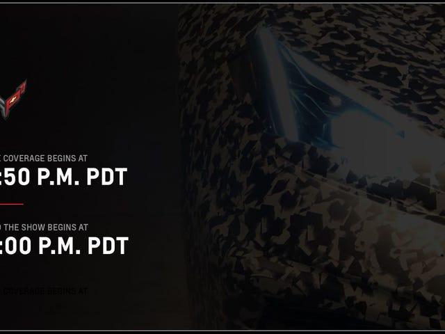 İşte C8 Chevrolet Corvette bu geceki gösteriyi izliyor
