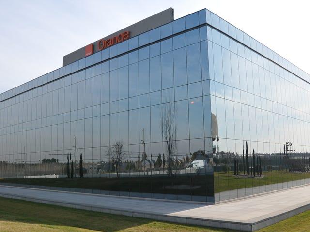 Viễn thông khổng lồ Orange về thử nghiệm ở Pháp sau khi 19 nhân viên chết vì tự tử