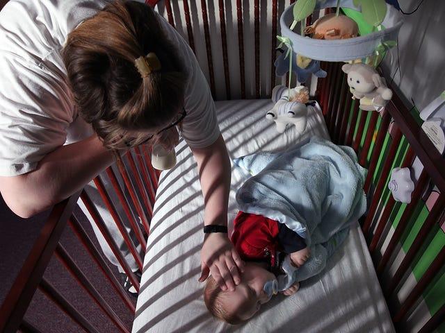 Le madri incarcerate possono perdere i diritti dei genitori solo per essere incarcerati