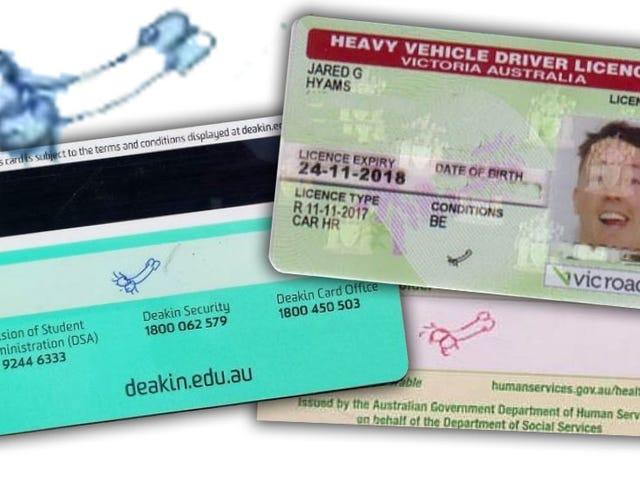 चालक के लाइसेंस हस्ताक्षर के रूप में पेनिस डूडल का उपयोग करने के लिए ऑस्ट्रेलियाई पुरुष लड़ता है