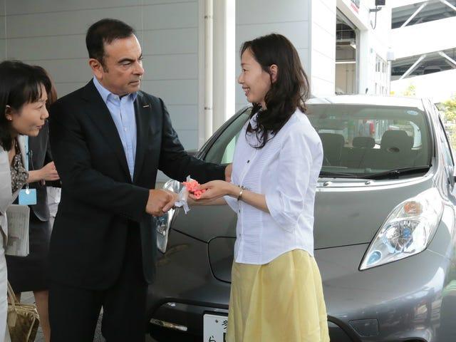 """Nissan Lisää """"Ladies First"""" -liiketoiminta-alueita Japanissa kohdentamaan naisia"""
