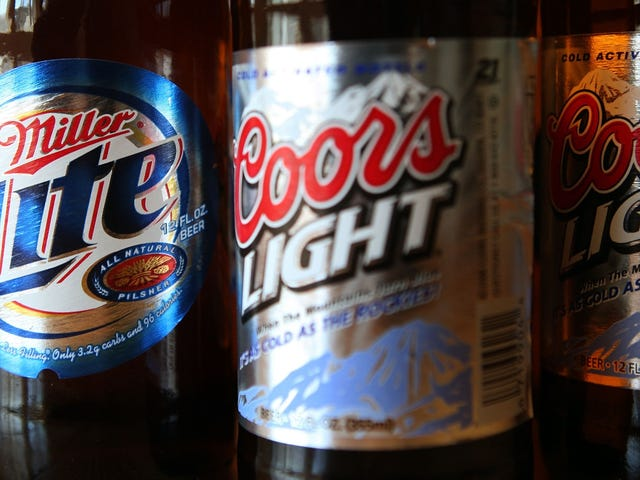 MillerCoors sues Anheuser-Busch over corn-syrup Super Bowl ads