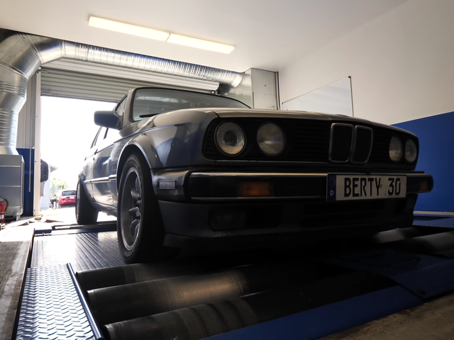 Here's How Much Horsepower A $1,600 Craigslist BMW E30 Makes After 278,000 Miles<em></em>