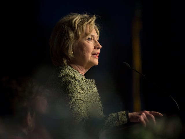 #HillarySoQualified Hashtag superato rapidamente da Ironic Pro-Bernie Youths