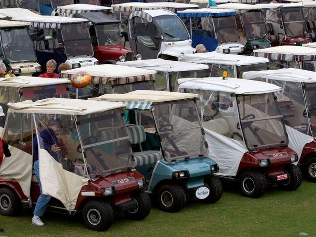 Cops Discover Meth Lab, Chop Shop de golf en el Retirement Community Garage