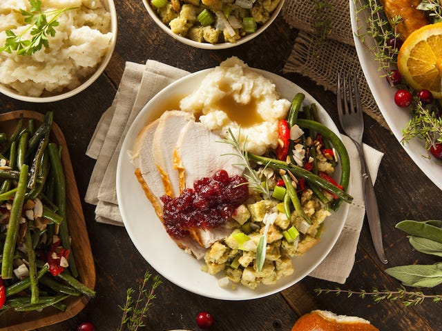 Thanksgiving Social: Show Us Your Prettiest Plates