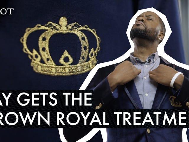 Un blazer pour la royauté noire: Crown Royal a sorti un nouveau blazer lisse et Ya Boy l'a essayé