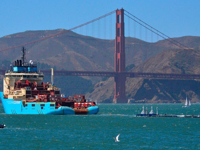 Huge, Maybe Ineffective Pollution Scooper Launches Towards Great Pacific Garbage Patch