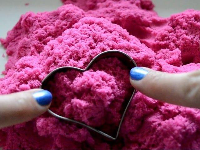 Ακούγοντας αυτή την ροζ κινητική άμμο, σας δίνω τα τσούλια;