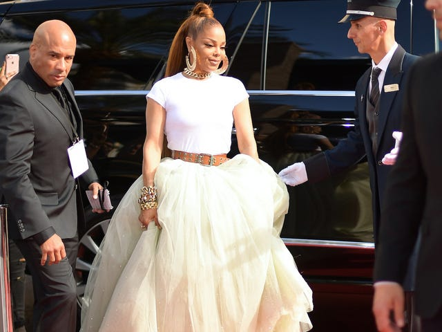 All the Looks on the Billboard Music Awards Red Carpet, Starring Queen Mother Janet Jackson