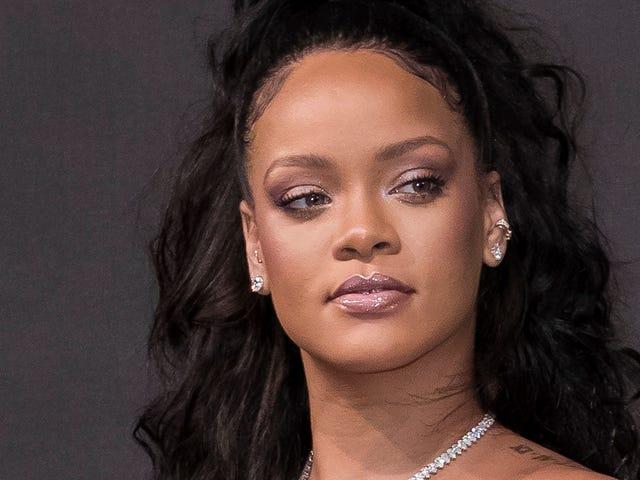 Rihanna responde al estúpido anuncio publicado por Snapchat que proponía azotarla