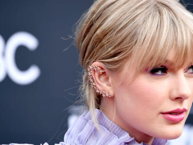 Taylor Swift Turns the Music Industry's Power Imbalance Into Empowerment