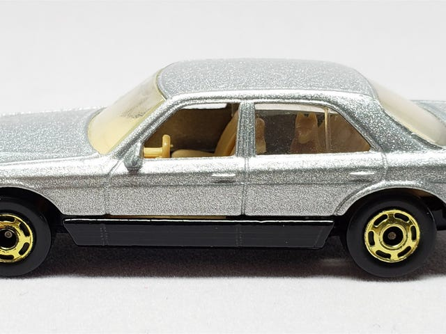 [REVIEW] Hot Wheels Mercedes-Benz 380 SEL