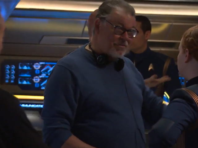 Watch Jonathan Frakes Make His Return to Directing Star Trek With Discovery