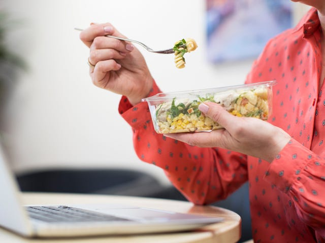 The Best Blogs to Check During Your Lunch Break