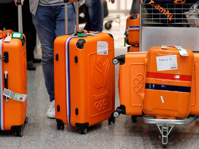 Physicists Think They Know How to Stop Your Rolly Suitcase From Tipping Over
